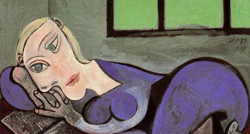 Foto: Mujer reclinada leyendo. Pablo Picasso